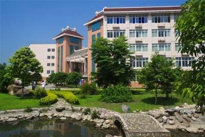 成都中医药大学附属医院针灸学校-校园景色