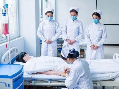 高级护理专业-扎针输液训练