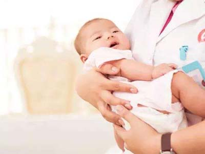 助产专业-助产士和宝宝