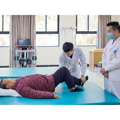 四川大学附设华西卫生学校(康复技术专业)招生分数线